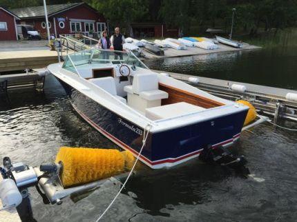 boatwash.jpg